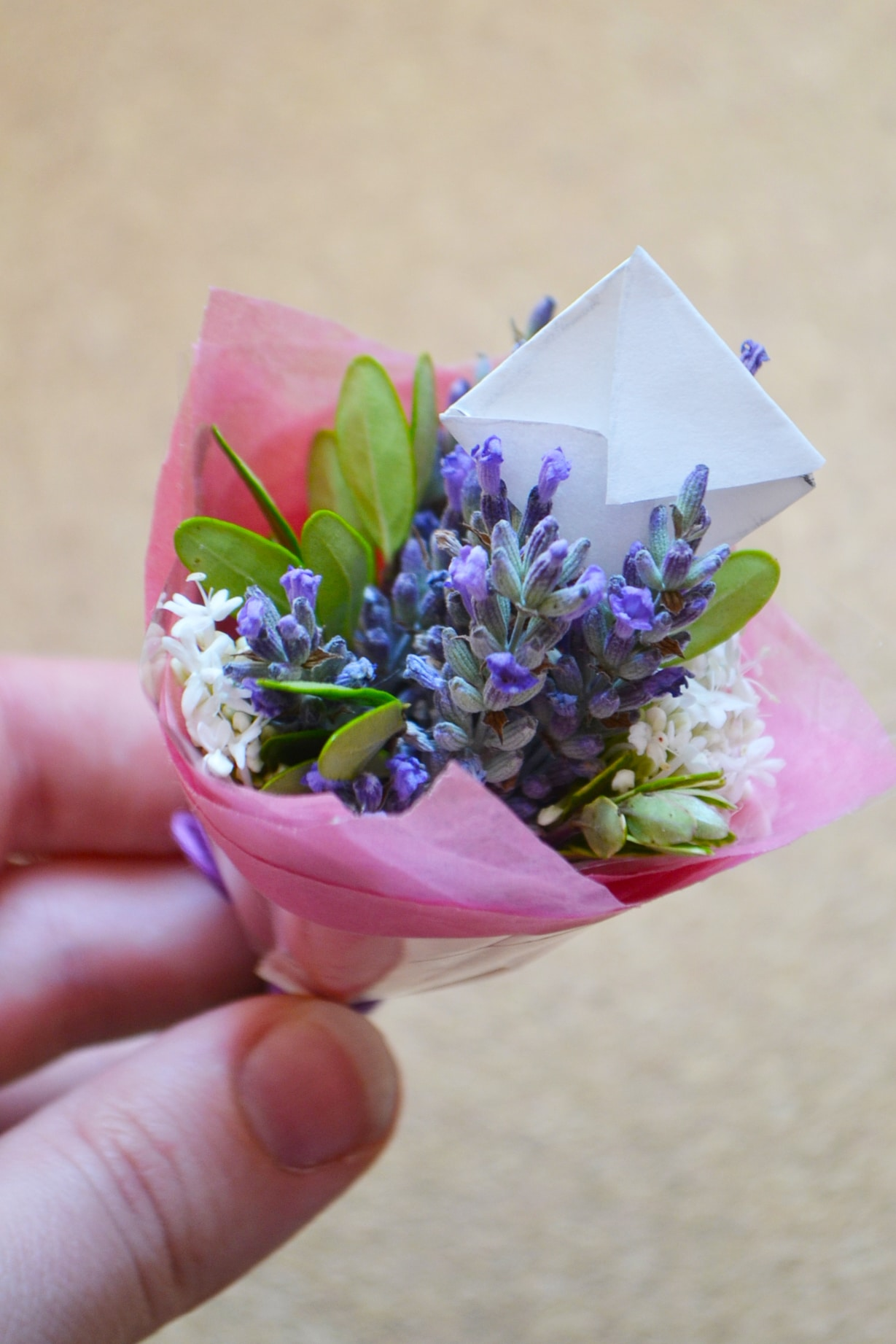 DIY: Miniature bouquets! - Wallflower Kitchen