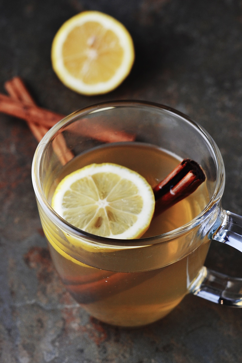 How to make hot lemon water with honey