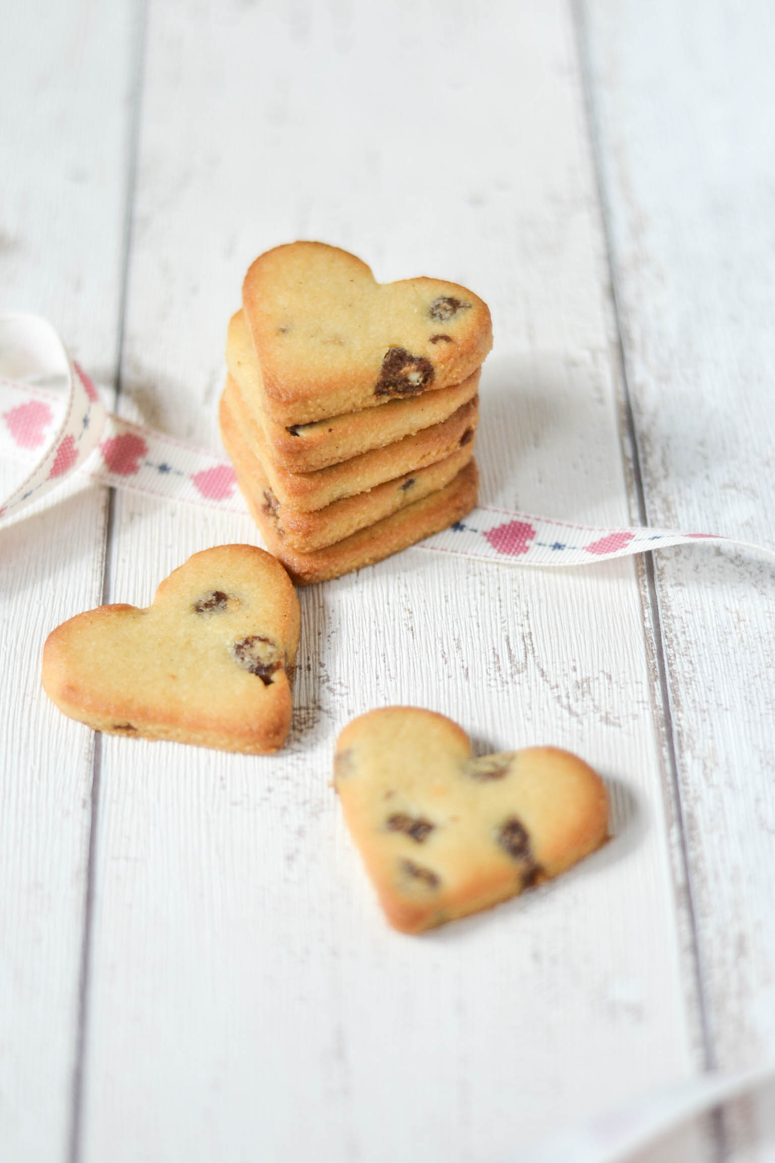 Paleo Almond & Raspberry Cookies (Vegan)