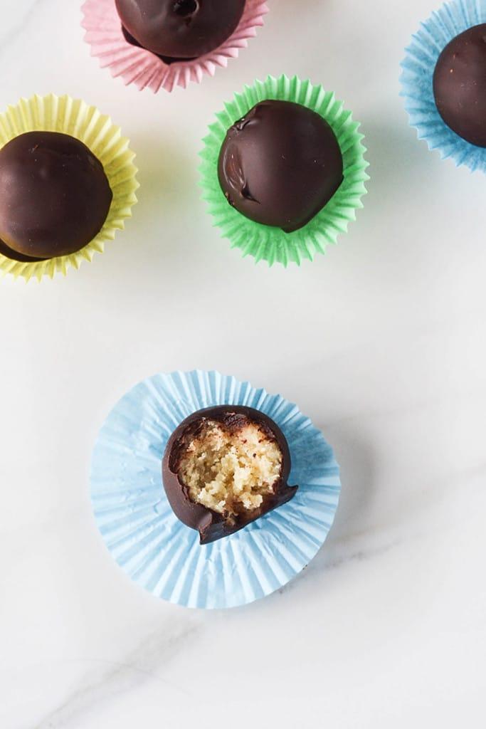 Raw Simnel Marzipan Chocolates     WallflowerGirl.co.uk #raw #vegan #paleo