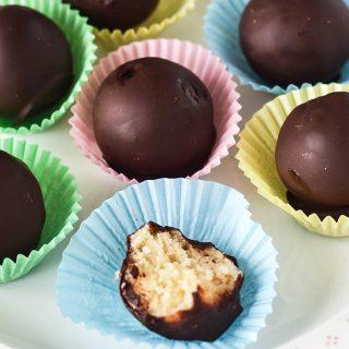 Raw Simnel Marzipan Chocolates | WallflowerGirl.co.uk #raw #vegan #paleo