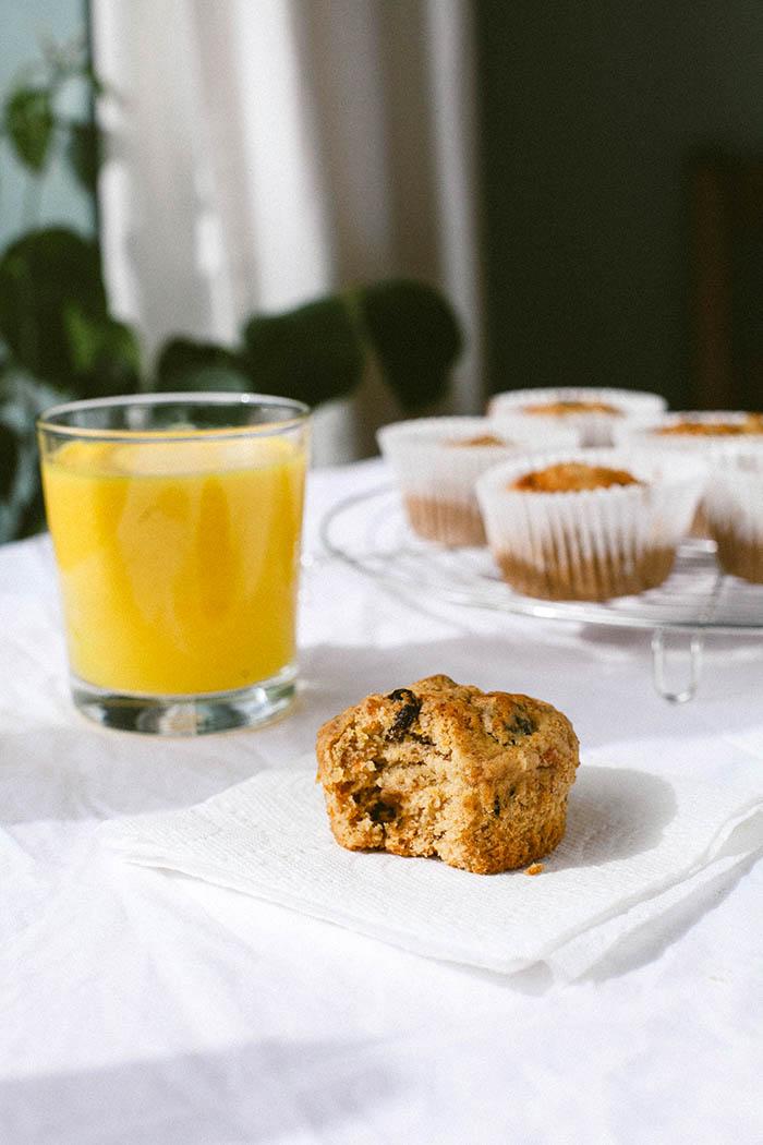Carrot Cake Breakfast Muffins | Wallflower Girl #vegan #wheatfree