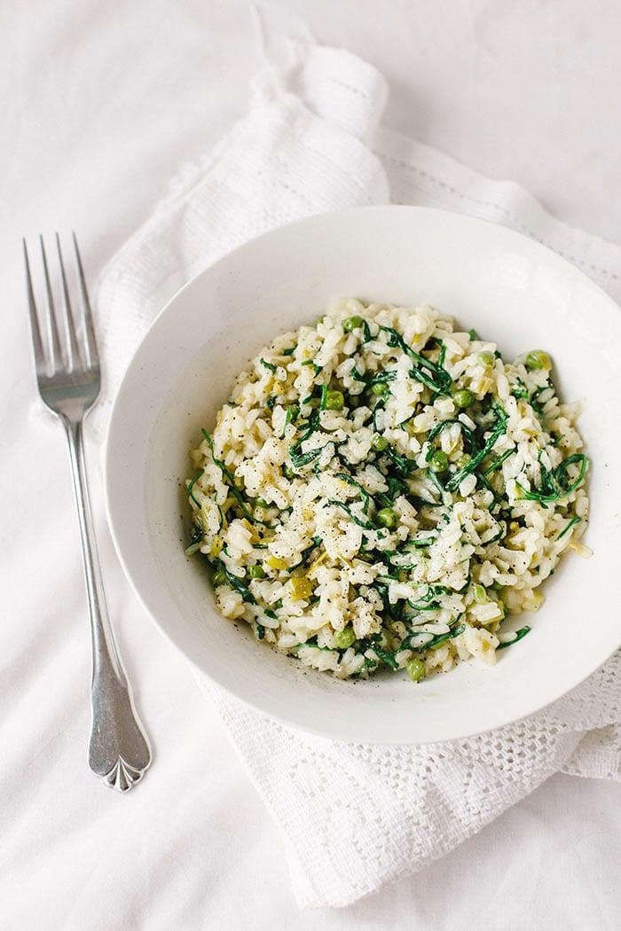 Spring Risotto with Rocket, Peas & Spring Onions  |  Wallflower Girl  #vegan #glutenfree