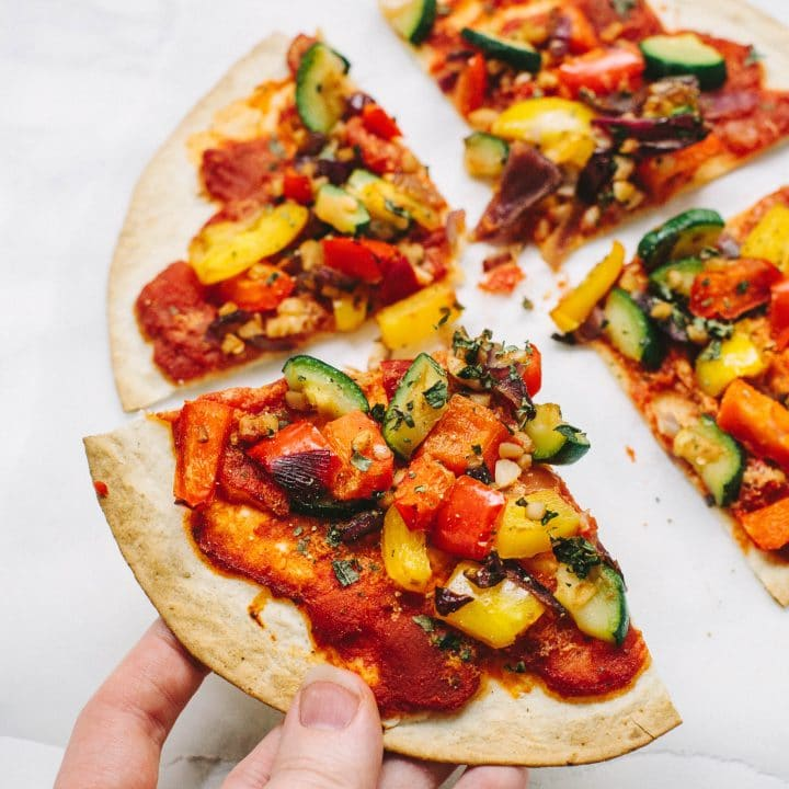 Vegan Tortilla Pizza with spicy arrabiata sauce and Mediterranean vegetables - only 180 kcal per pizza!