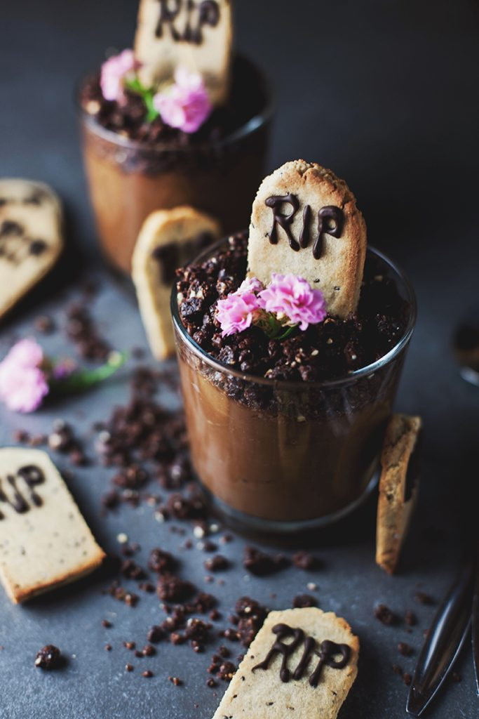 Nakd Graveyard Chocolate Mousse Pots! (Raw + Vegan)