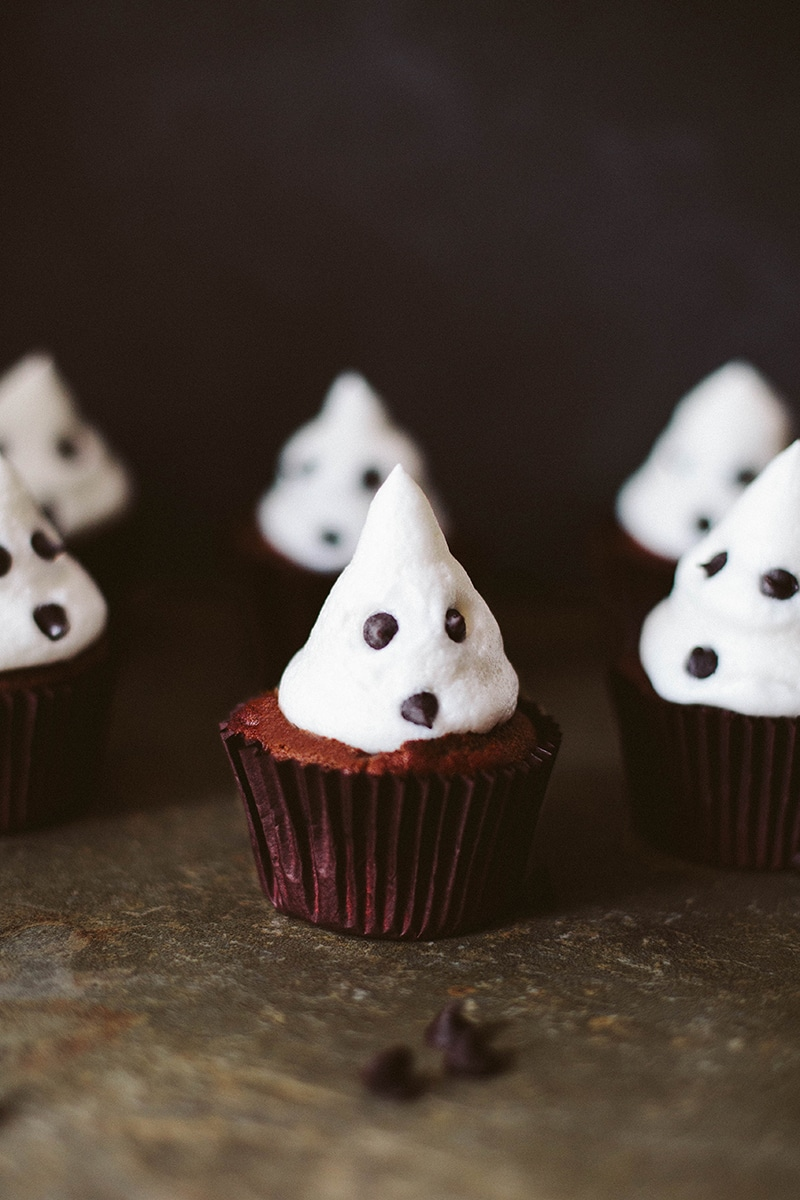 Vegan Ghost Meringue Cupcakes