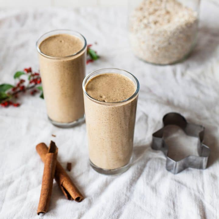 Gingerbread Oatmeal Smoothie