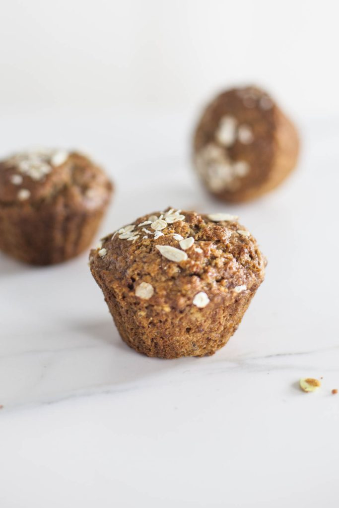 Low fat & vegan Breakfast Porridge Muffins (oatmeal muffins)