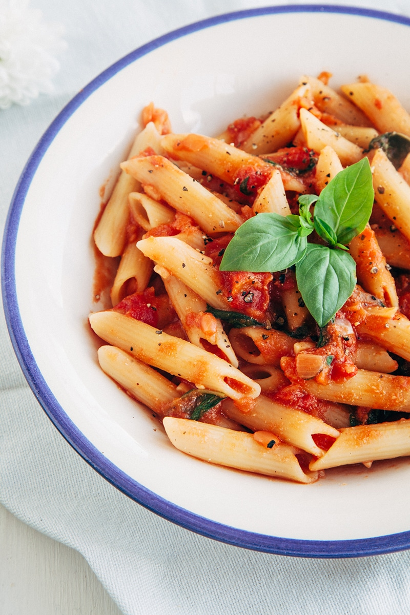Easy & Delicious Tomato & Basil Penne (Vegan, Low-Fat, Gluten-free Option)
