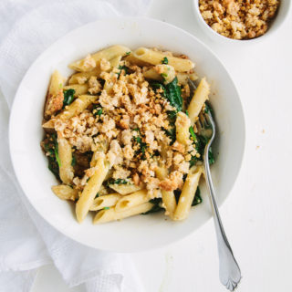 Creamy Spinach Pasta with Cheesy Garlic Crumb 1