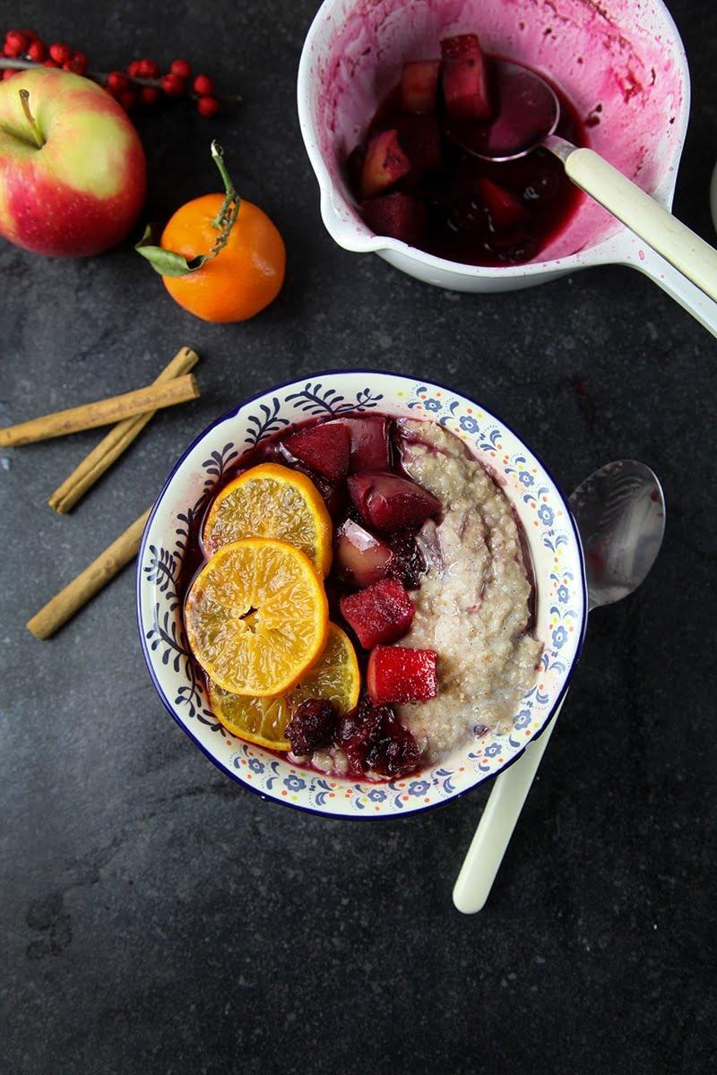 Spiced Porridge with Mulled Fruits #healthy #breakfast #vegan #dairyfree