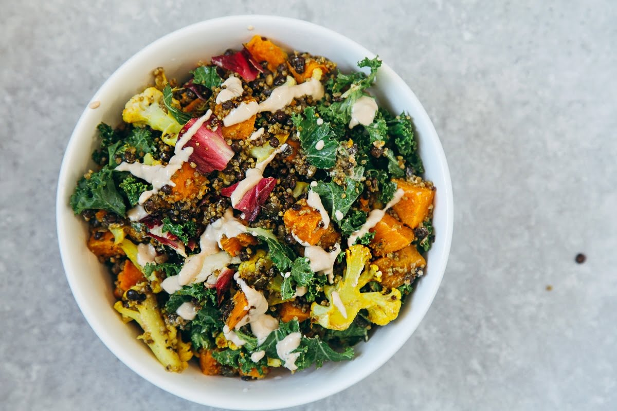 Roasted Veggie & Quinoa Salad with Tahini Garlic Dressing #vegan #glutenfree #healthy #recipe #lunch #vegetarian