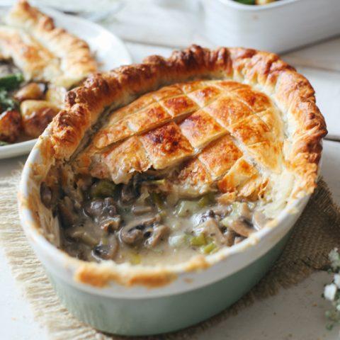 Vegan Creamy Mushroom Pie #vegan #vegetarian #recipe