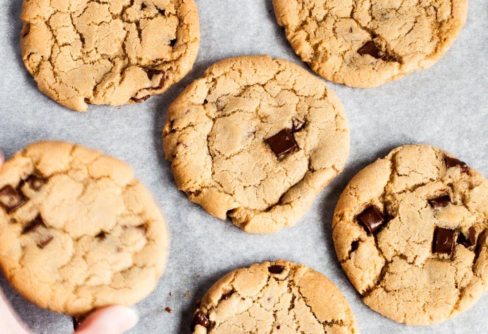 Vegan Chocolate Chip Cookies (Millies Copycat)
